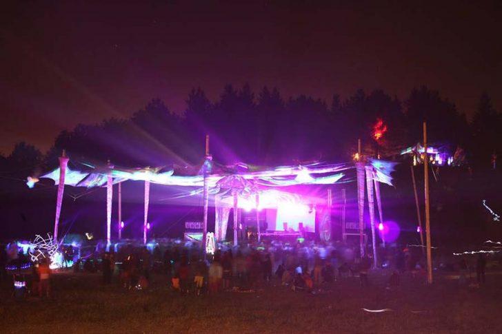 """Neon Festivali'nden mesaj var: """"Doğaya kaçmayı unutmayın"""""""