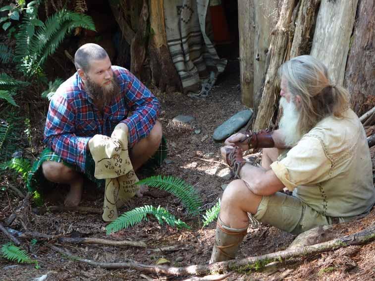 Ağaç kökünde yaşayan Mick Dodge ile tanışın
