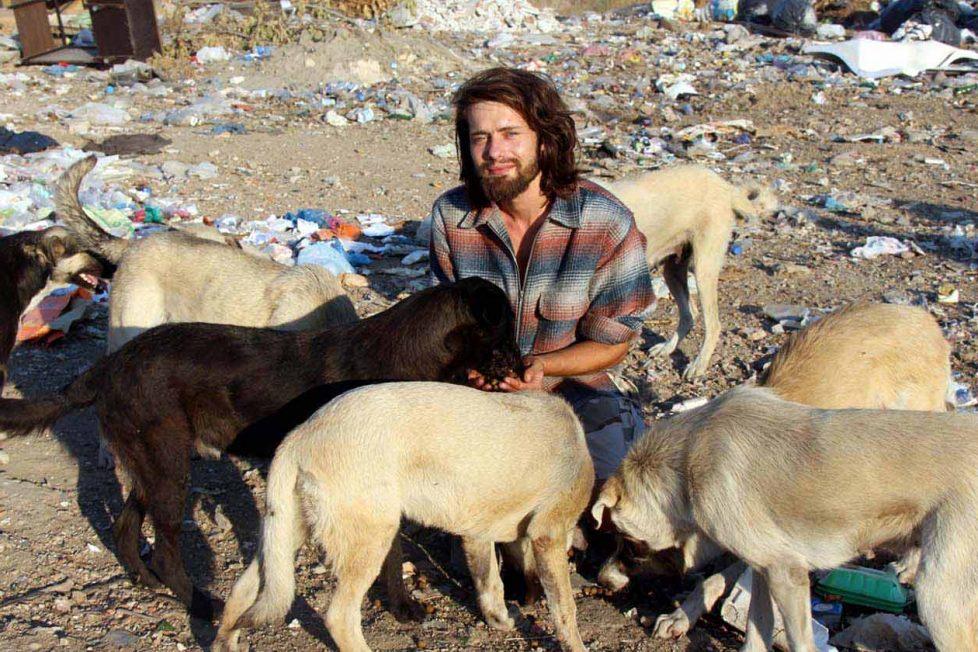 Gökçer Korkmaz: Ömrünü hayvanlara adayan iyi kalpli bir insan