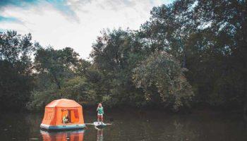 Dünyanın ilk yüzen çadırı ile farklı bir maceraya hazır olun