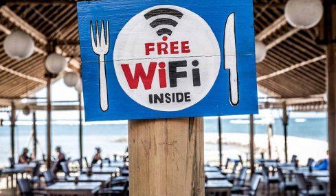 Seyahat ederken parasız ve ucuz WiFi kullanımın yolları