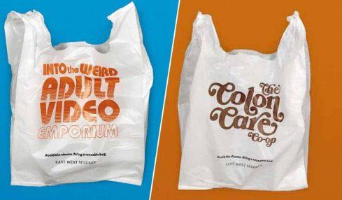Bu süpermarket, üzerinde utandırıcı yazılar yazan plastik torbalarını kullanıyor