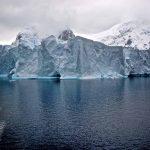 Bu harita, Antarktika buzullarının ne kadar hızlı eridiğini gösteriyor