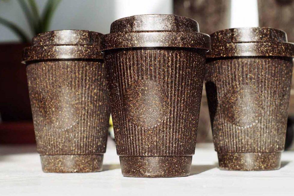 Kahve telvesi yeniden kullanılabilir bardaklara dönüşüyor