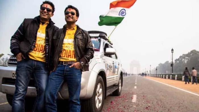 Sanjay Madan ve Tushar Agarwal
