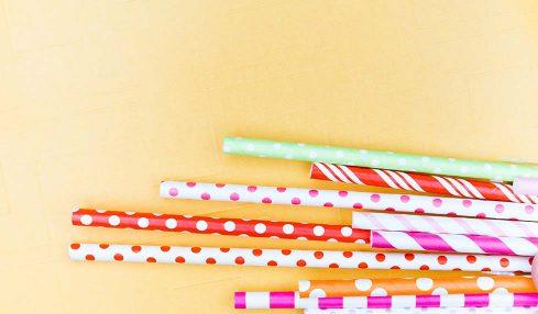 İngiltere plastik pipet ve kulak temizleme çubuklarının satışına yasak getirdi